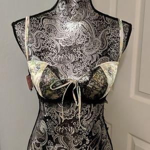 NWT Victoria's Secret Designer Collection bra
